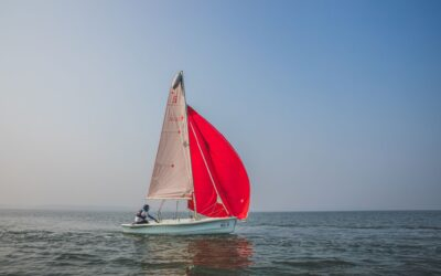 5 Reasons Why Everyone Must Try Their Hands At Sailing